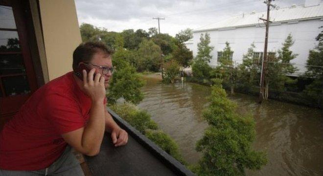 Autoridades pediram para que toda a população permaneça dentro de suas casas