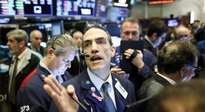 Incerteza em torno do novo coronavírus faz o mercado de ações acumular sucessivos resultados negativos