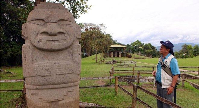 O Parque Arqueológico de San Agustín protege as gigantescas estátuas talhadas a partir de rocha vulcânica
