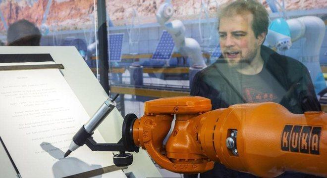 McKinsey sugere que 60% das profissões podem ter um terço de suas funções assumidas por robôs