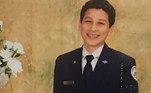 Segundo os relatos chocantes da polícia de Nápoles, o menino pulou da varanda da casa dele na última terça (29), após escrever uma mensagem perturbadora no tablet que usava