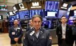 A Bolsa de Valores de Nova York também homenageou os mortos nesta sexta-feira (10)