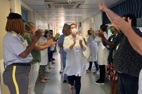 Mais de 1000 enfermeiros foram diagnosticados com covid-19