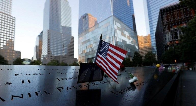 Homenagem às vítimas do atentado de 11/09 no Manhattan Memorial em NY