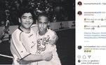 O site oficial de Neymar publicou foto do atacante criança com Maradona