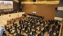 Universal recebe homenagem de deputados de SP por seus 42 anos