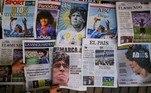 Em Barcelona, na Espanha, onde Maradona jogou por duas temporadas antes de sair para o Napoli em 1984, as capas de todos os jornais traziam homenagens e fotos históricas