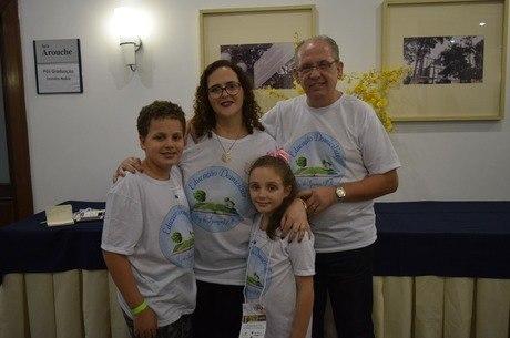 Foto da família Bächtold no Educoop 2018