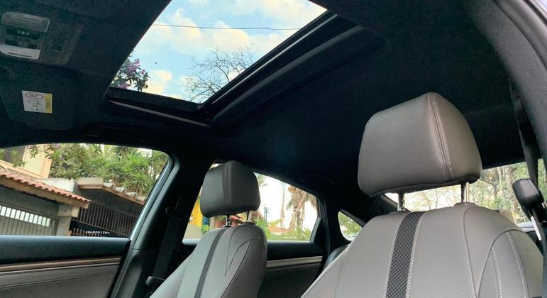 O ponto alto do Civic Touring, além do conforto a bordo é o bom nível de economia de combustível