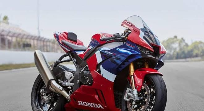 Direto das pistas, Honda mostra nova Fireblade em Milão