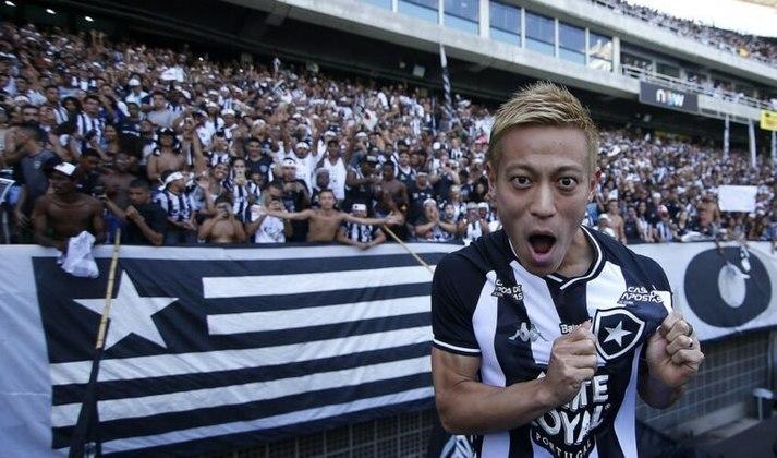 Honda - O japonês chegou com status de estrela no Botafogo, contudo, as atuações não foram convincentes e em menos de um ano, ele decidiu deixar o Alvinegro.