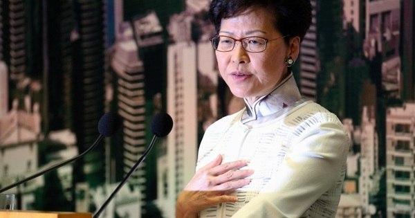 Hong Kong: líder se desculpa em meio a pedidos de renúncia