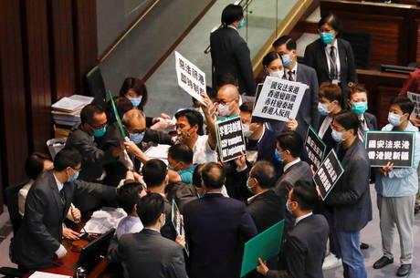Organizações pró-democracia criticaram China