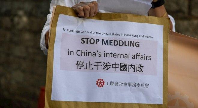 China pede que EUA pare de interferir em assuntos relacionados a Hong Kong