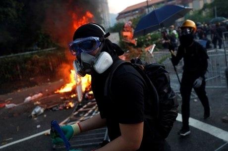 Máscaras serão proibidas em protestos de Hong Kong