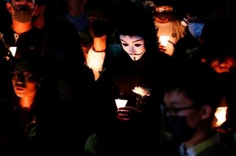 Manifestantes fizeram vigília por jovem ferido
