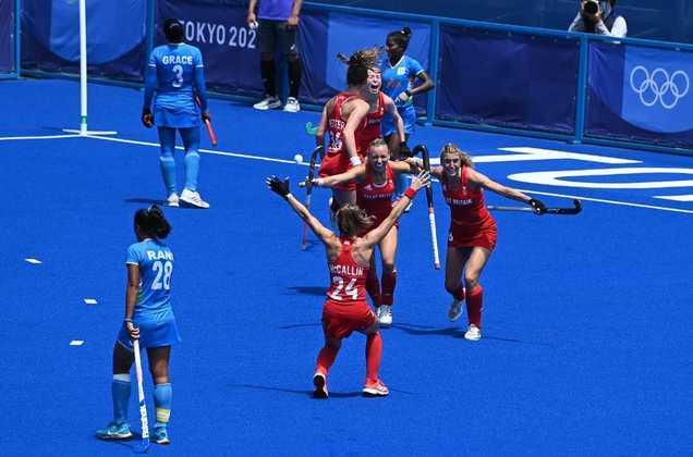 HÓQUEI NA GRAMA - A Grã-Bretanha completou o pódio no hóquei na grama feminino. A seleção britânica venceu a Índia por 4 a 3 e conquistou a medalha de bronze.