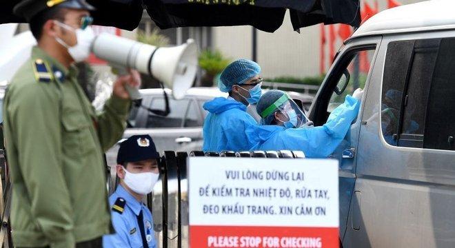 Vietnã implementou quarentena forçada e rigoroso rastreamento de contatos de doentes