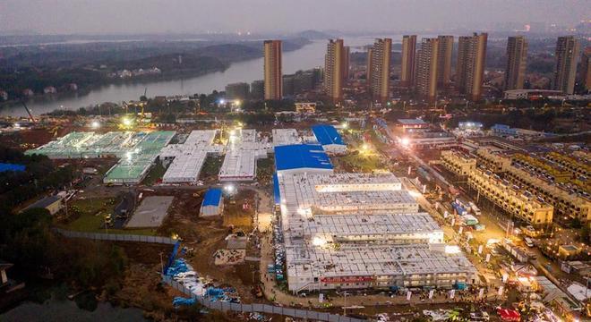 Hospital chinês construído em 10 dias