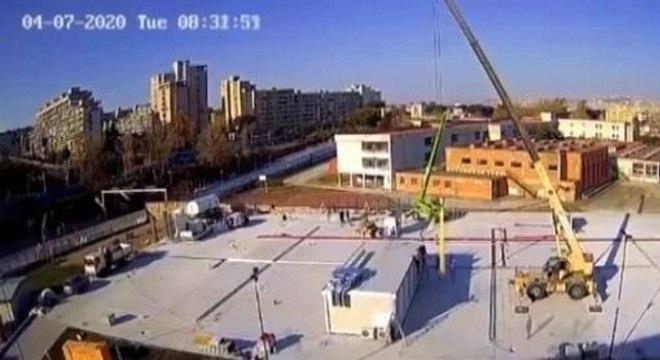 Napolitanos divulgaram filme de construçao de hospital de campanha em 30 horas