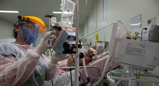 Em pandemia, três hospitais estão em compasso de espera