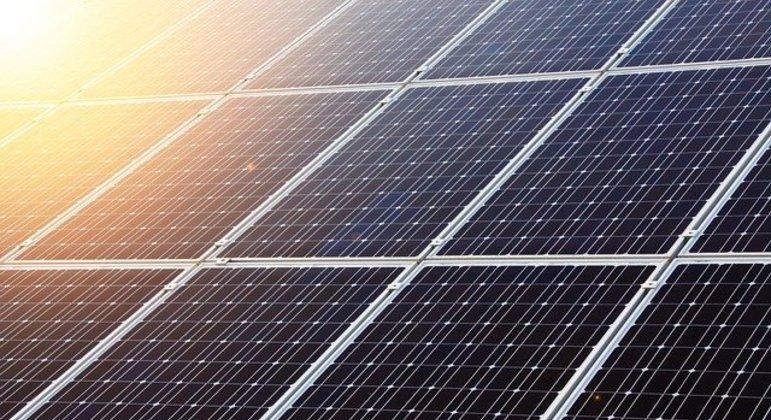 Usinas solares serão usadas para usar luz solar como energia