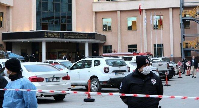 Nove pessoas morreram quando aparelho explodiu em uma enfermaria de coronavírus de um hospital privado