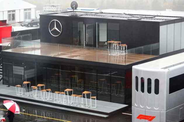 Hospitality da Mercedes ficou cheio d'água em Nürburgring