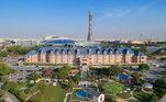 O Palmeiras chegou a Doha, capital do Qatar, na última quarta-feira (3), para disputar o Mundial Interclubes. Nos dez dias em que o time estará no país árabe, a delegação vai ficar em um luxuoso hotel cinco estrelas. Para se hospedar lá, o turista desembolsa cerca R$ 800, nos quartos mais simples, a R$ 6 mil, nos mais luxuosos, por dia!Detalhe: oAl Aziziyah Boutique Hotel está fechado só para os palmeirenses