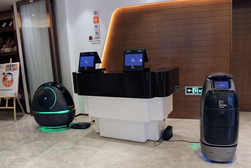 Hotel na China atende seus hóspedes com robôs