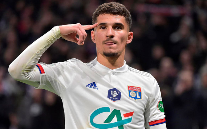 Houssem Aouar - O meia francês era um dos principais alvos do Arsenal na última janela, mas decidiu ficar no Lyon. Apesar disso, o clube inglês segue interessado no atleta de 22 anos e prepara nova investida em janeiro.