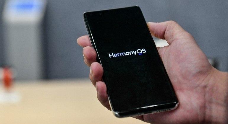 Chinesa Huawei apresenta o  HarmonyOs, seu próprio sistema operacional para smartphones
