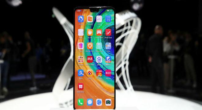 Huawei enfrenta Apple em lançamento do seu smartphone