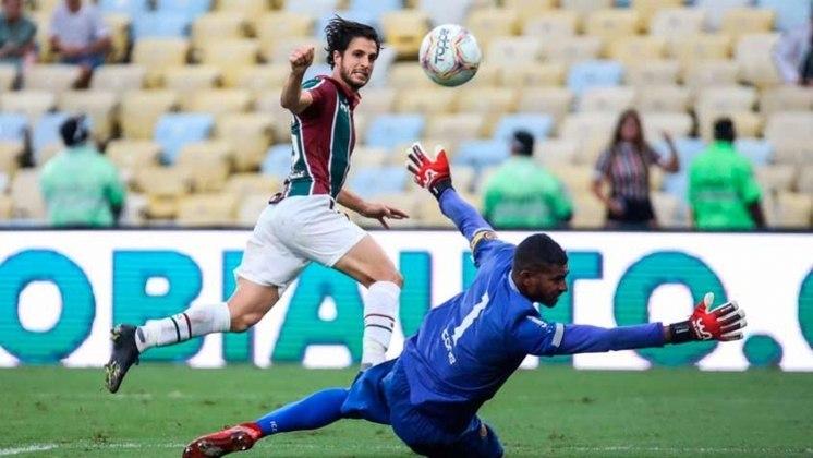 Hudson (volante - 32 anos) - Pertence ao São Paulo e está emprestado ao Fluminense somente até 28/2 - Foi para reserva há pouco tempo, após longo período como titular no Flu