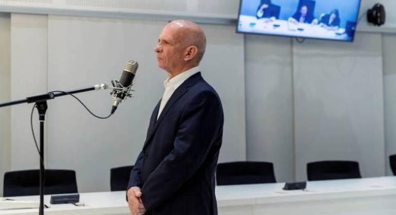 Hugo Carvajal se posiciona durante sua audiência de extradição para os EUA em Madri