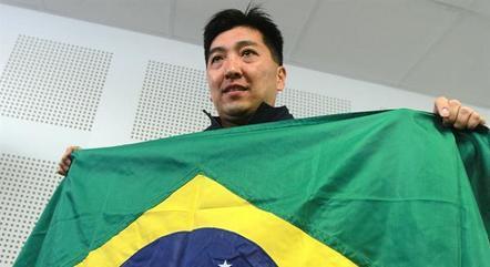Hoyama foi jogador e agora é técnico da seleção