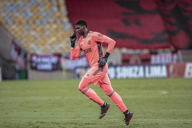 Hugo Souza - Clube: Flamengo - Posição: goleiro - Idade: 22 anos - Jogos no Brasileirão 2021: 0 - Situação no clube: concorrência na posição e falta de continuidade.