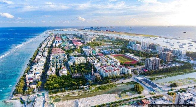 A nova ilha deverá abrigar até 240 mil pessoas e ajudará a reduzir a superlotação em Malé