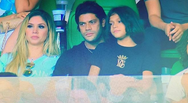 Hulk é torcedor assumido do Palmeiras. Assistiu o time jogando no Allianz Parque
