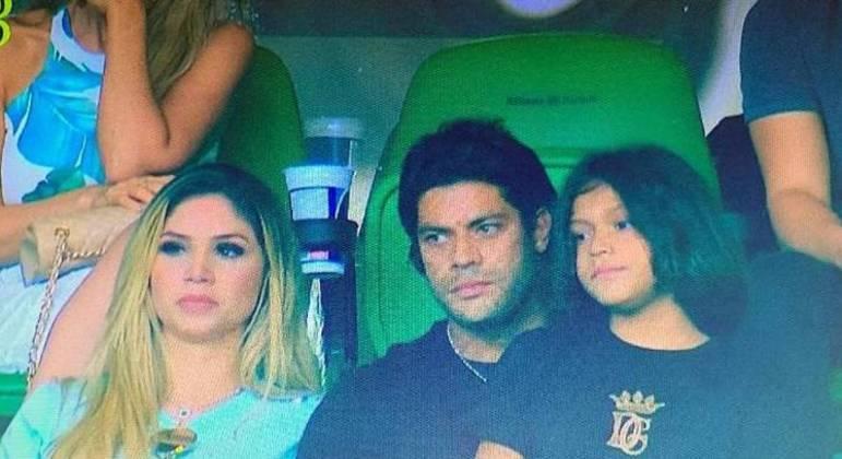 Hulk chegou a ir assistir jogo do Palmeiras. E conversar com dirigentes palmeirenses, em 2020