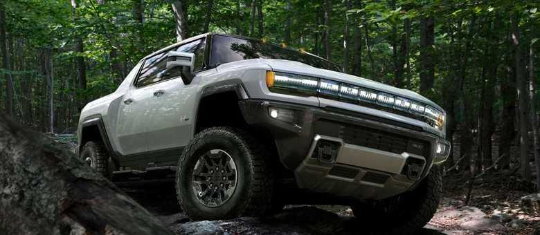 Hummer de volta a partir de 2021 com uma nova pickup elétrica com 3 motores e 1.000cv