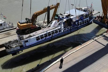 Vinte e oito pessoas morreram em naufrágio