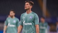 Schalke 04 perde e é rebaixado na Alemanha após 33 anos na elite