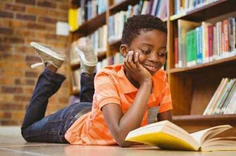 Pesquisa mostra que pessoas que leem são mais felizes