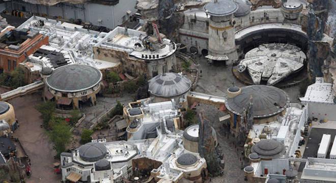 Atração do Star Wars vazia © Gregg Newton/Reuters
