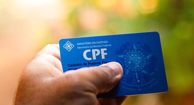 A rigor, ninguém é obrigado a fornecer o CPF, e sua compra