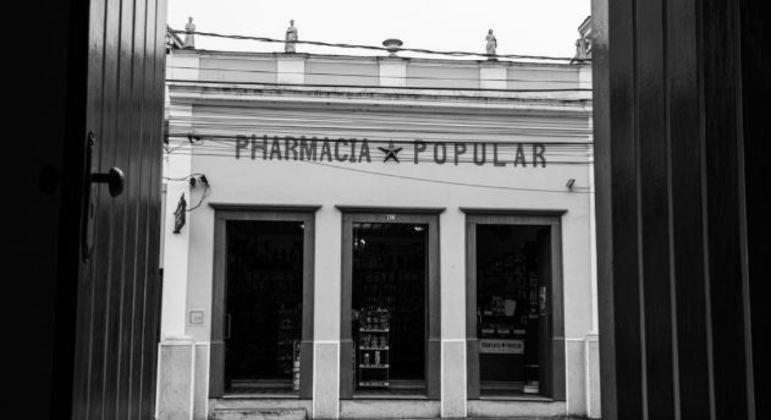 Em Bananal (SP), está uma das mais antigas farmácias do Brasil. A história dos farmacêuticos que trabalham lá está no curta