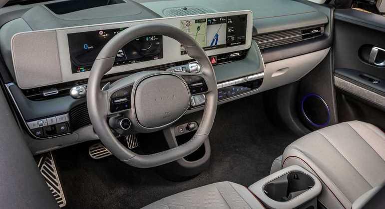 Hatchback será vendido em várias versões com potências de 170, 217, 235 e 306 cv