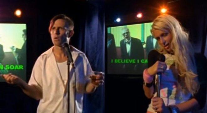 O dia em que Green Day e Paris Hilton se uniram em um clipe do Me First and the Gimme Gimmes