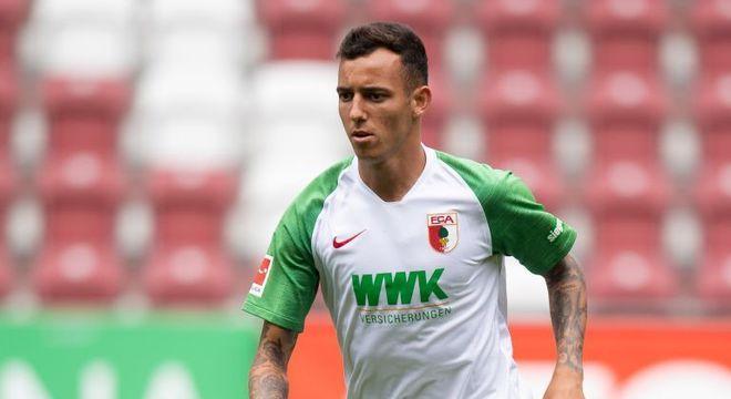 Iago está em sua primeira temporada com a camisa do Augsburg